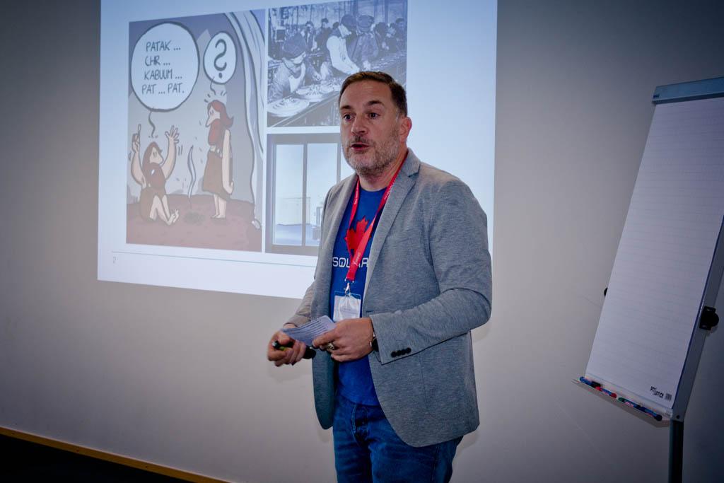 """Mathias Hess (MHIM) """"Unfassbar ineffizient! Wege aus der organisatorischen und kommunikativen Steinzeit!"""" - Vortrag Track 3"""