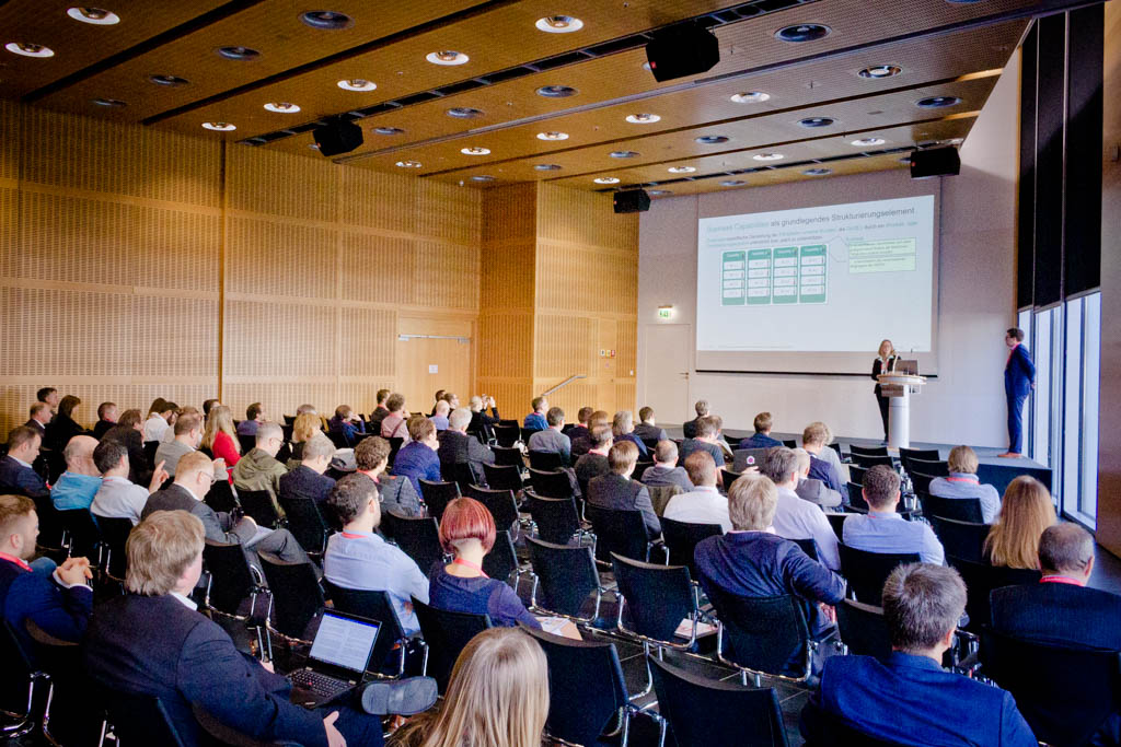 """Dr. Stefanie Gooren-Sieber & Dr. Stefan König (Datev eG) """"EAM als wichtiges Kernelement beim Aufbau eines digitalen Ökosystems"""" - Vortrag Track 1"""
