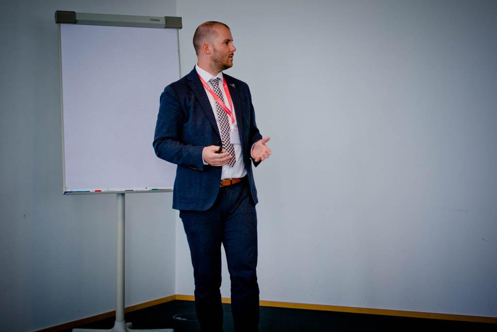 """Torsten Redlich (secunet GmbH) """" TOOL basierte IT-Sicherheitsanalysen"""" - Vortrag Track 2"""