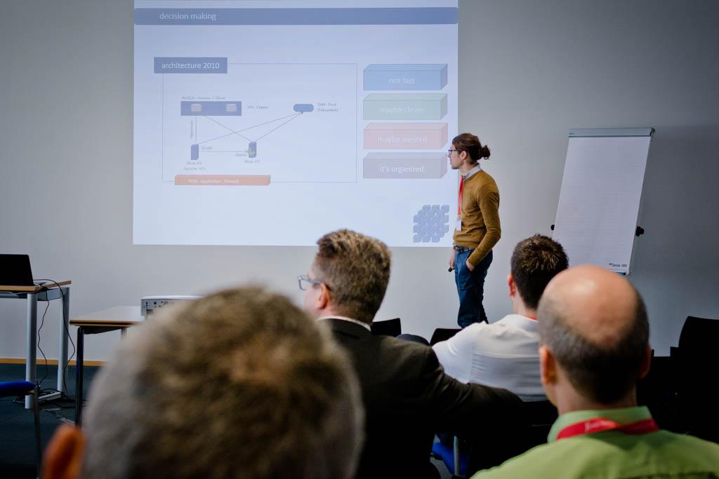 """Nico Schönnagel (Union Krankenversicherung AG) """"Die CLoud als homogene Betriebsinfrastruktur für grenzenlose Heterogenität"""" - Vortrag Track 3"""