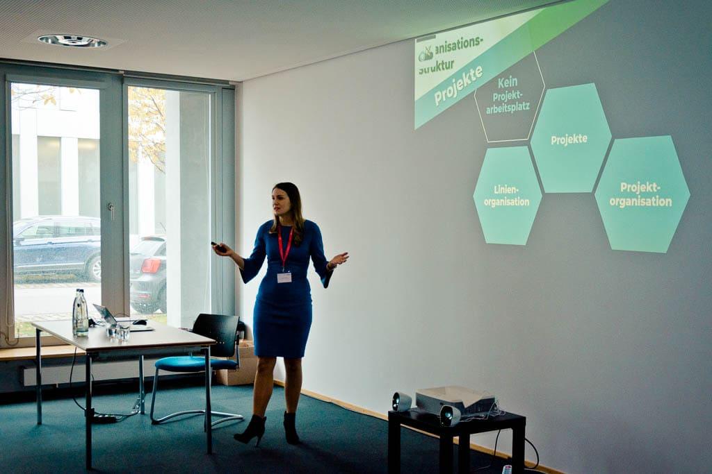 Teresa Michalak & Christopg Surges (#Dice-Leitung debeka) »Aufbau eines Innovations Centers in einem etablierten Unternehmen«