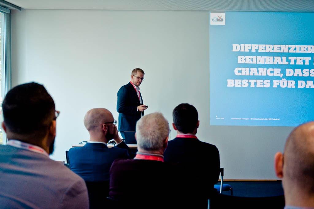 Dr. Karsten Zimmermann (HSV) »Innovation als Teamsport – IT und Leadership beim HSV«