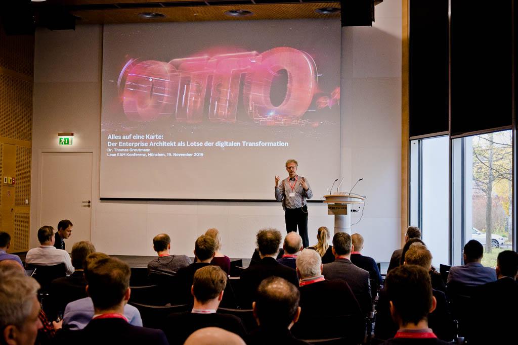 Dr. Thomas Greutmann (OTTO GmbH & Co KG) »Alles auf eine Karte: Der Enterprise Architekt als Lotse der digitalen Transformation«