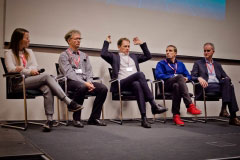 Podiumsdiskussion mit Laura-Jo Kreuz (Testo SE & Co. KGaA), Dr. Thomas Greutmann (OTTO GmbH & Co KG), Prof. Dr. Stephan Aier (Uni St. Gallen), Dr. Wolfgang Göbl (Architectural Thinking Association) & Ulrich Langeheine (E.ON Digital Technologies GmbH)